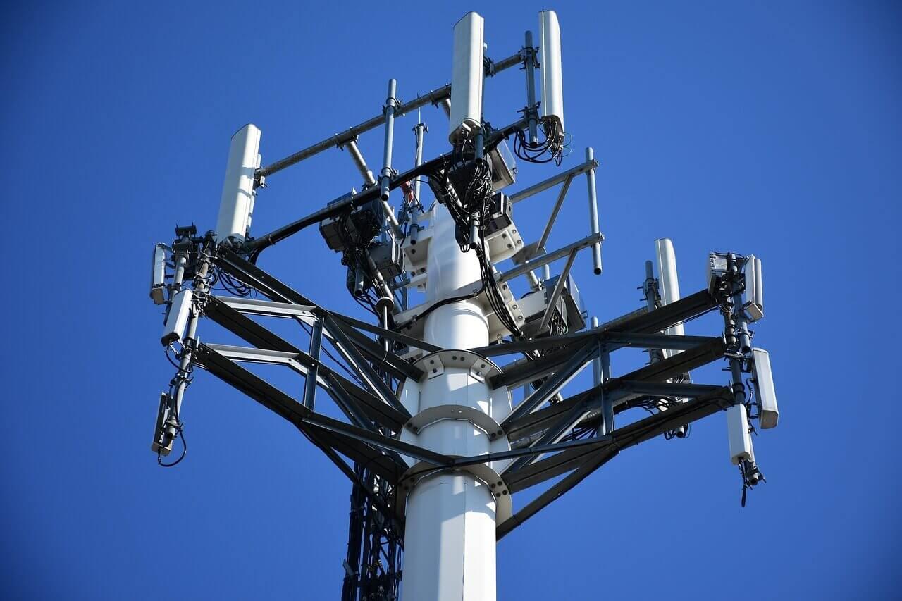 Aanslagen 22/3: Brussel moet gsm-netwerk uit middeleeuws moeras trekken