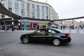 Busbanen open voor taxi's en meer standplaatsen aan het Centraal Station