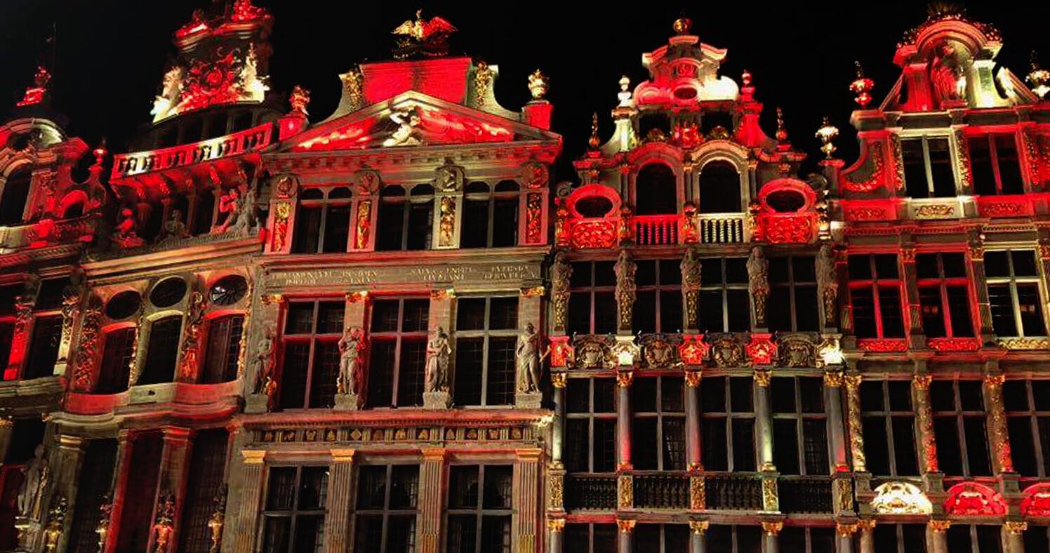 La Grand-Place aux couleurs de la belgique