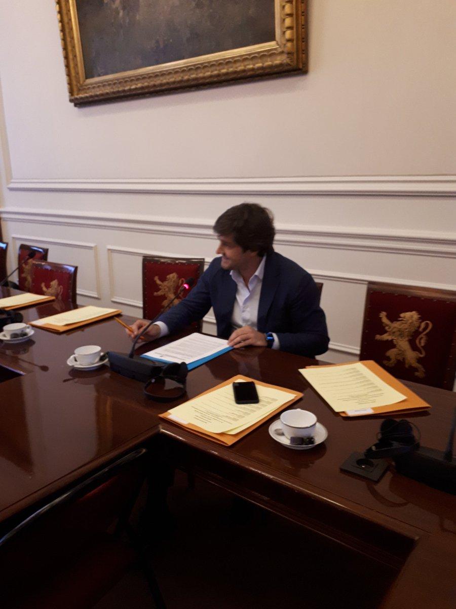Lionel Bajart verdedigt in de Senaat de invoering van een verbod tot bedelen met een minderjarige