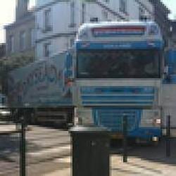 Els Ampe vraagt verkeersbord tegen zwaar vrachtverkeer in smalle straten