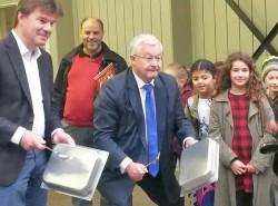 Gatz en Vanhengel laten schoolbel extra lang rinkelen op Internationale Dag van de Leerkacht
