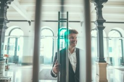 Vlaams minister van Cultuur Sven Gatz beslist over extra ronde projectsubsidies Kunstendecreet 2019