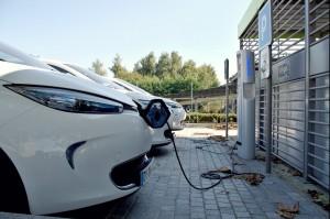 Vrijstelling taks voor parkeerplaatsen voor bedrijven ter stimulering van elektrisch rijden