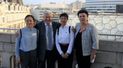 Minister Guy Vanhengel en Parlementslid Carla Dejonghe ontvangen Chinese secundaire school